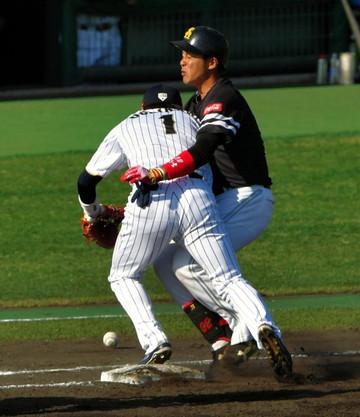 内川選手、接触の瞬間
