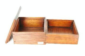 正方形の弁当箱(杉、柾目)