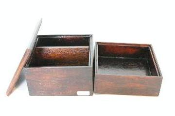 正方形の弁当箱(たも)