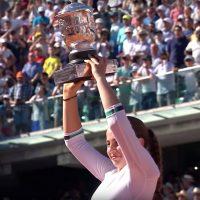 オスタペンコ(テニス)が可愛い!画像とラケットやコーチも紹介!